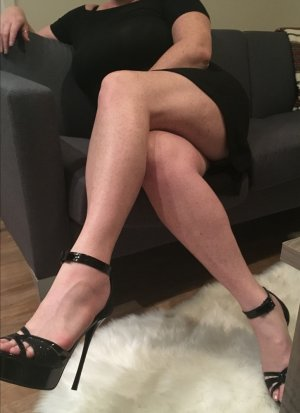 Layel casual sex in Novi