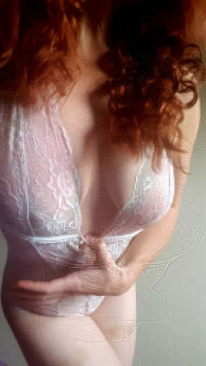 Laelle sex clubs in Lake Oswego Oregon
