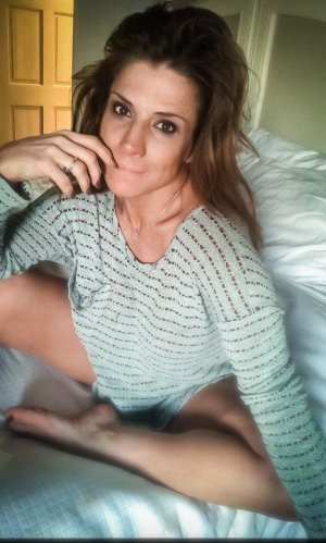 Kelie adult dating in Waipio